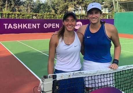 Luisa Stefani (à esquerda) e sua companheira no título, a norte-americana Hayley Carter