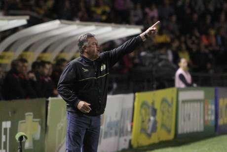 Time do técnico Roberto Cavalo conseguiu importante vitória (Foto: Caio Marcelo/CEC)