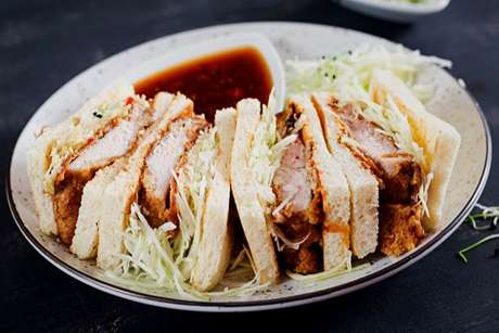 Katu-sando: tradicional sanduíche japonês