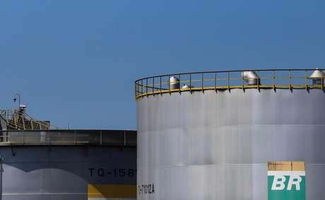 Tanques da refinaria da Revap, da Petrobras 30/09/2019 REUTERS/Roosevelt Cassio