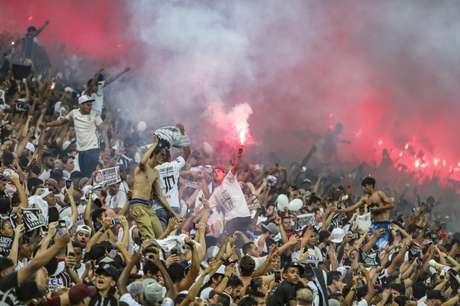 Fiel tem demonstrado seu apoio por mais uma temporada (Foto: Bruno Teixeira/Corinthians)