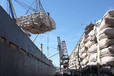 Balança comercial brasileira ficou no azul em US$ 2,246 bilhões em setembro