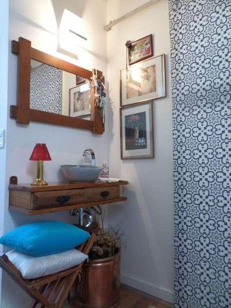 11. O balcão para banheiro pequeno é interessante quando vem com gavetas. Projeto de Magda Roberto da Silva