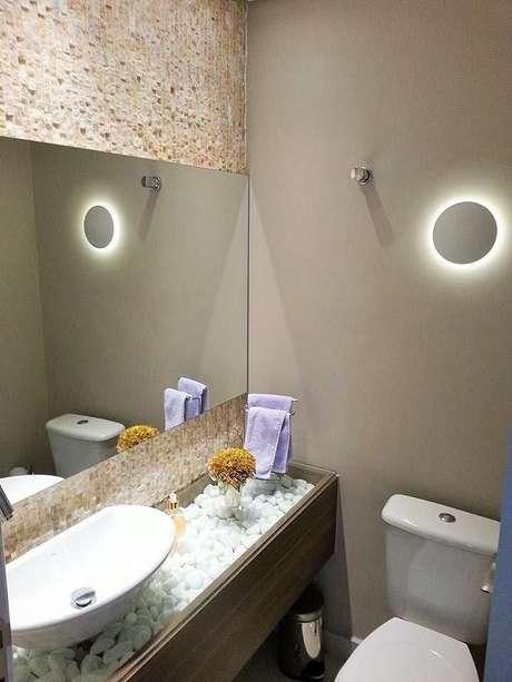 6. O balcão para banheiro pode ser estilizado. Projeto de Alane Dias Pestana
