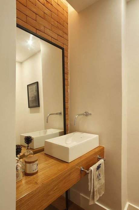 30. O balcão para banheiro pode ser posicionado de forma diferente em relação à cuba. Projeto de Escala Arquitetura