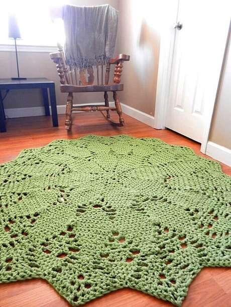 62. Tapete de crochê na cor verde musgo – Foto: Gabi Ralea DIY & Decor
