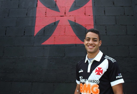 Jogador estava no CRB, disputando a Série B (Foto: Carlos Gregório Jr./Vasco)