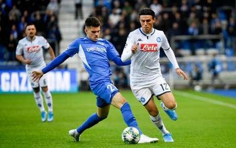 Napoli e Genk ficaram apenas no 0 a 0 na Bélgica (Foto: JOHN THYS/AFP)