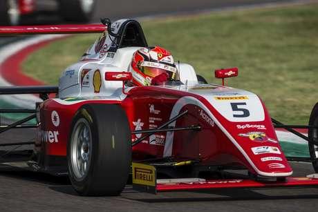 Na briga pelo título do Italiano de Fórmula 4, Gianluca Petecof volta a acelerar em Mugello