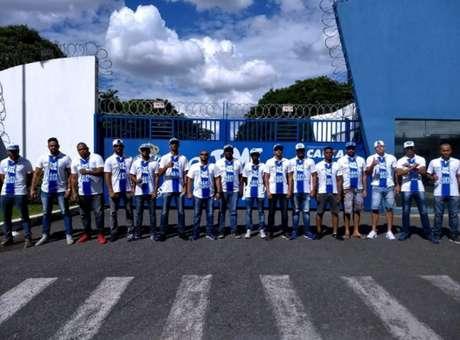 A invasão à Toca da Raposa na última terça-feira foi um dos motivos para o banimento da Máfia dos estádios- )Foto: Reprodução da Internet)