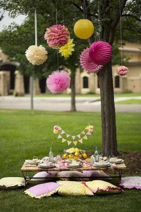 1. Invista na decoração simples e alegre para a sua festa piquenique – Foto: Googodecor