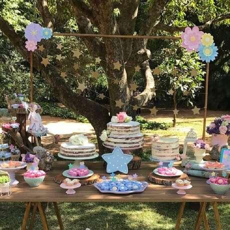 16. Decoração de aniversário piquenique em tons pastéis e com detalhes rústicos – Foto: Natália Escudeiro