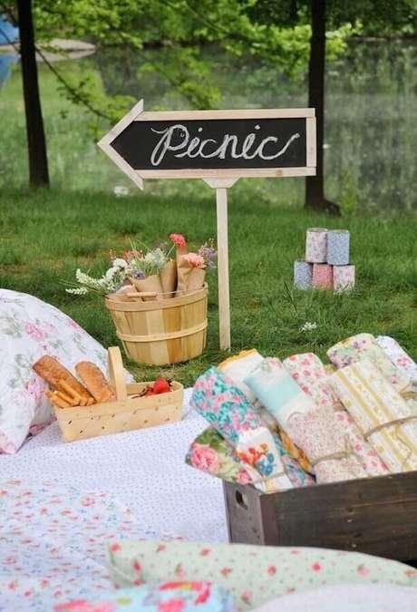 27. Leve guardanapos para a sua festa de picnic – Foto: Pinosy