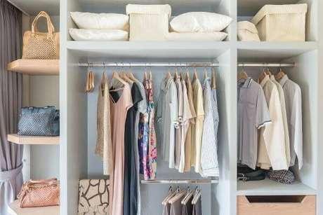 25. Siga as dicas de como organizar o closet feminino – Por: Pinterest