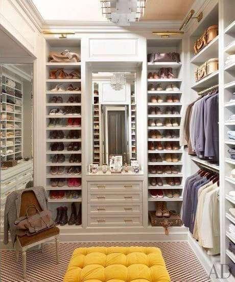 43. Monte seu closet feminino de acordo com sua quantidade de roupas e sapatos – Por: Eu Amo Decoração