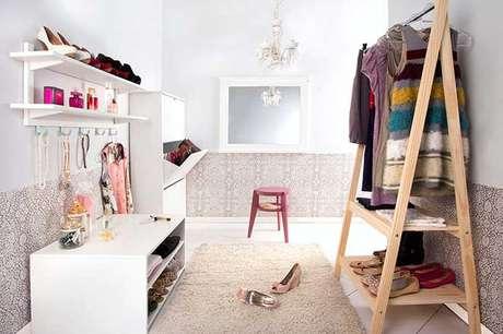 54. Closet feminino simples – Por: Minha casa minha cara