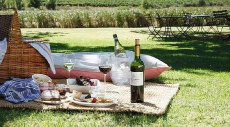 38. Comidas e bebidas para piquenique romântico – Foto: Fine Dining Lovers