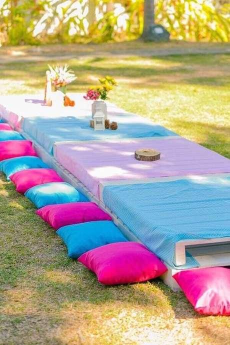 48. Decoração de piquenique azul e rosa – Foto: Casinha da Cys