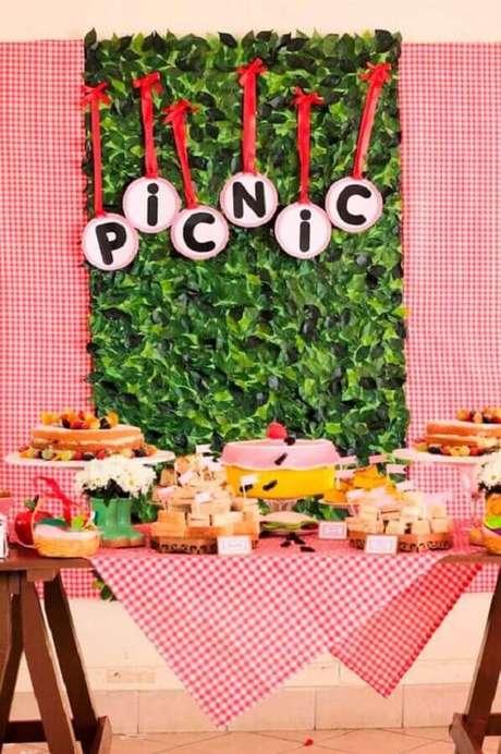 56. Decoração para mesa de aniversário piquenique – Foto: Mamãe Festeira