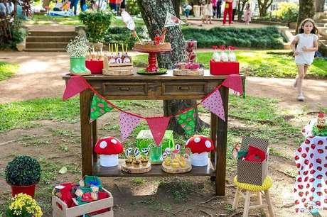 63. Decoração simples para aniversário piquenique – Foto: Rosalina Rocha