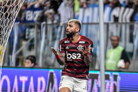 Grêmio e Flamengo empataram em 1 a 1 em Porto Alegre, no jogo de ida da semifinal da Libertadores