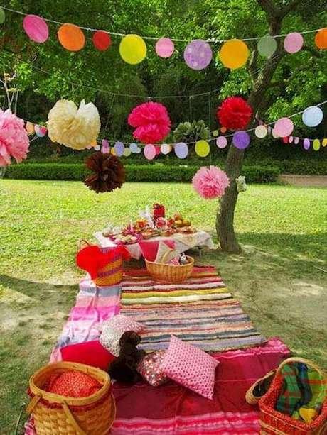 83. Detalhes coloridos para decoração de festa picnic – Foto: Tottori Mama's