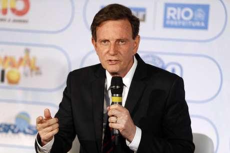 O prefeito do Rio, Marcelo Crivella, anunciou o pagamento do 13º dos funcionários