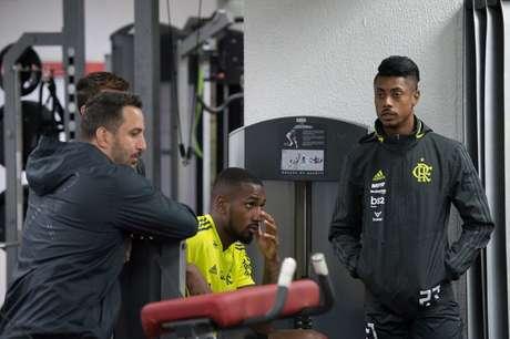 Jogadores do Flamengo durante atividade no CT do Internacional (Foto: Alexandre Vidal / Flamengo)
