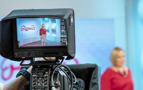 Apresentadora tem público fiel na programação vespertina da TV Aparecida