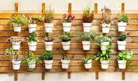 52. Suporte para plantas no jardim – Por: Revista VD