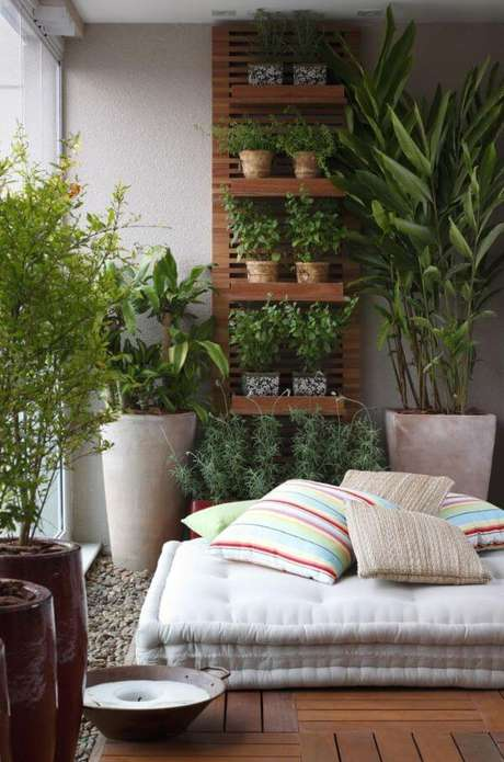 25. Suporte para plantas na varanda – Por: Juliana Freit