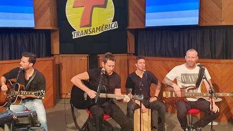 Nickelback se apresenta em pocket show em São Paulo antes de ir para o Rock in Rio