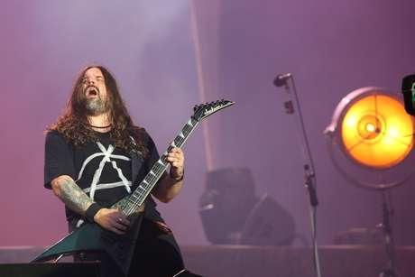 O guitarrista Andreas Kisser durante apresentação da banda Sepultura