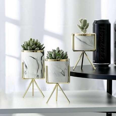 35. Suporte para vaso de plantas em ferro – Por: Pinterest