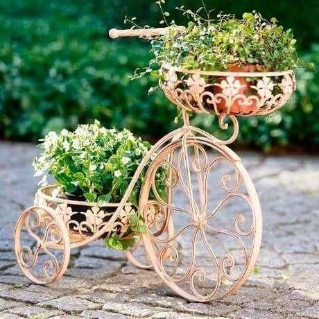 40. Suporte para plantas rose gold em formato de bike – Por: Pinterest