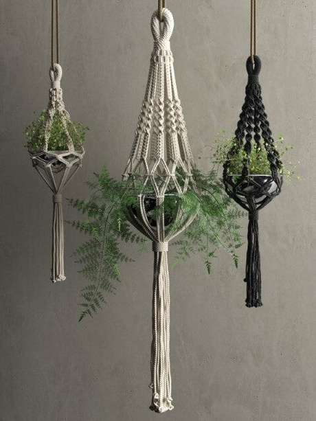 21. O vaso fica lindo no suporte para plantas em macramê – Por: Pinterest