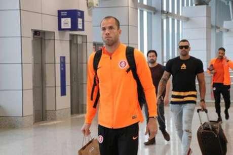 Equipe do Internacional embarca para Belo Horizonte