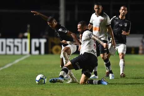 Castán falou da necessidade do Vasco de corrigir erros cometidos contra o Santos (Foto: Ivan Storti/Santos FC)