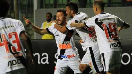 Diante do Atlético, o Vasco mostrou resistência para buscar a vitória nos minutos finais (Carlos Gregório Jr./Vasco)