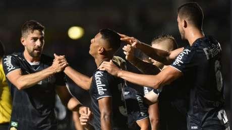 Tailson teve uma estreia inesquecível no profissional no Santos - Ivan Storti/ Santos FC