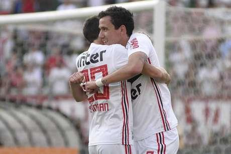 São Paulo conquistou sua 1ª vitória sob o comando de Fernando Diniz (Foto: Bruno Ulivieri/ Agif/Gazeta Press)