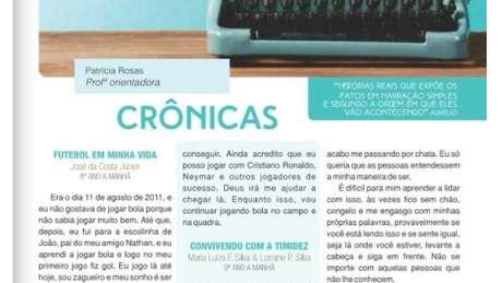 Alunos de Patricia Rosas publicam seus textos em uma revista que é distribuída na comunidade