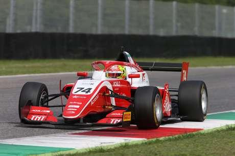 Enzo Fittipaldi segue vice-líder na F3 antes da etapa final em Monza