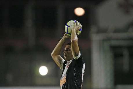 Danilo Barcelos ouviu críticas pelo gol marcado pelo Santos, mas é titular da lateral esquerda (Rafael Ribeiro/Vasco)