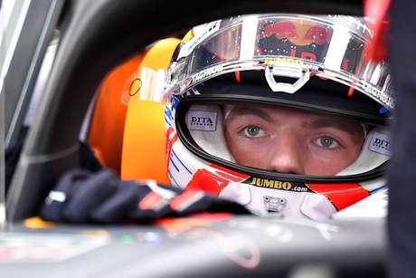 """Max Verstappen espera que o novo combustível represente um ganho de """"um ou dois décimos"""""""