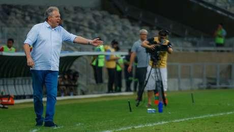 "Abel terá de ""quebrar"" a cabeça para montar o Cruzeiro diante do Fluminense- (Vinnicius Silva/Cruzeiro)"