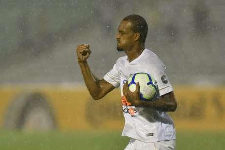 Luiz Felipe tem acordo firmado e seu novo vínculo irá até 2024 (Foto: Ivan Storti/Santos)