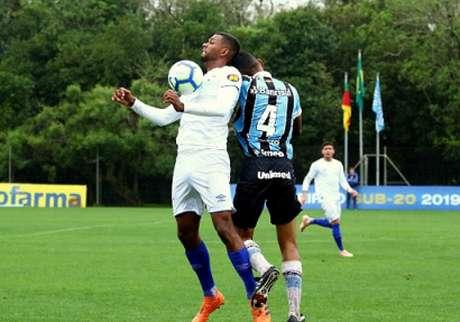 Rivais tradicionais, Raposa e o Tricolor Gaúcho ficaram na igualdade pelo Brasileiro sub-20- (Rodrigo Fatturi /Grêmio)