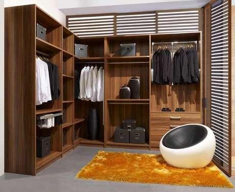 81. O closet aberto oferece uma beleza inimaginável para o quarto. Foto: Decorando Tudo