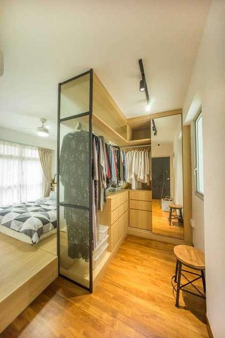 22. O closet aberto é muito interessante como elemento decorativo. Foto: Pinterest